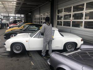 横浜ファクトリーは、朝から洗車です!!略